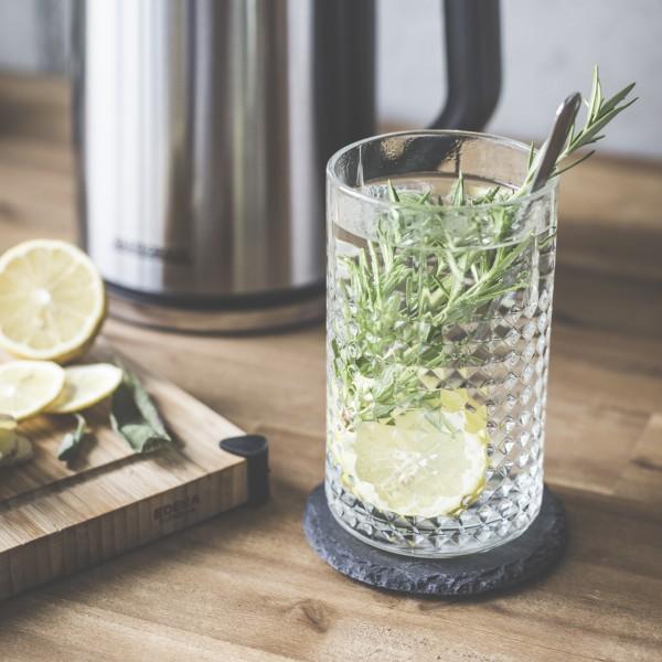 Rosmarin-Tee mit Ingwer und Zitrone