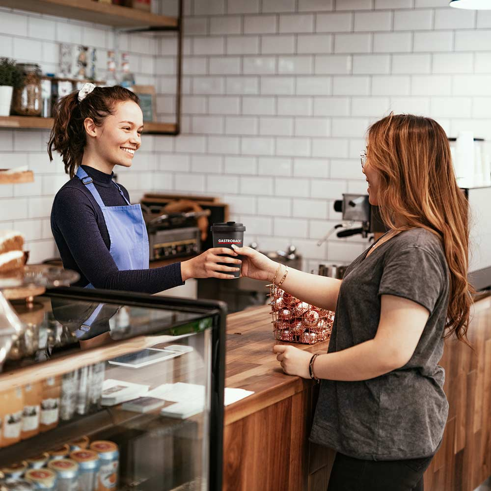 90228_Gastroback_Coffee to Go Becher aus Porzellan_Kaffee_in_Coffee_Shop_Qualität_Mood_01